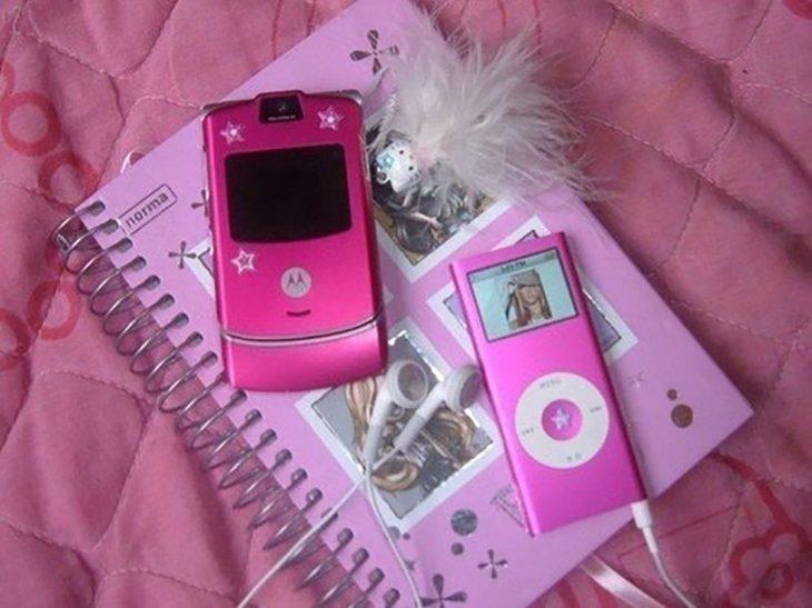 iPod y Motorola rosas