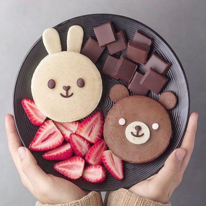 panquesitos con forma de conejo y de osito