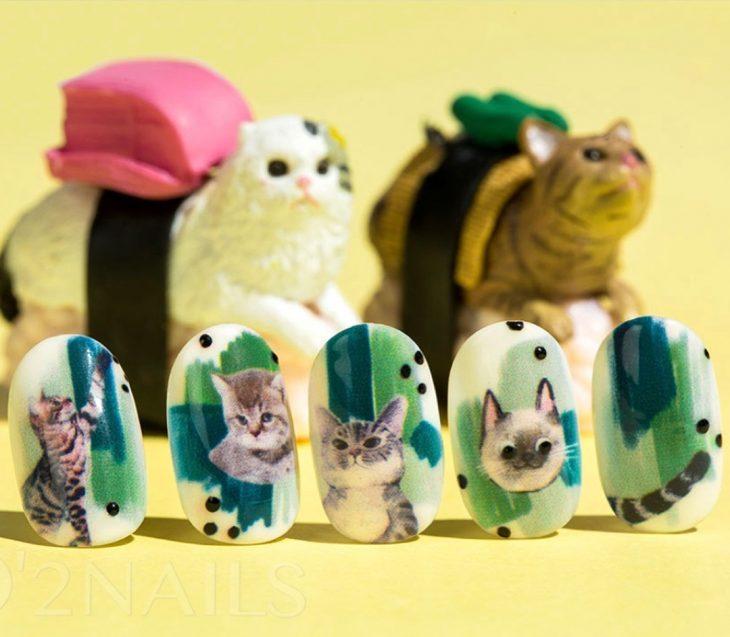 uñas impresas de gatitos