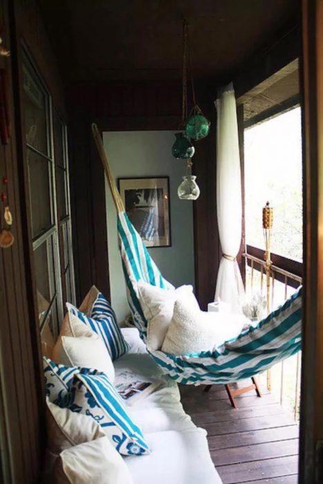 hamaca en un balcón