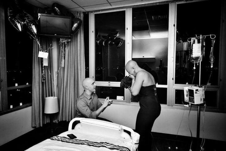 propuesta de matrimonio dentro de hospital