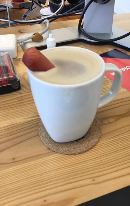 café con salchicha