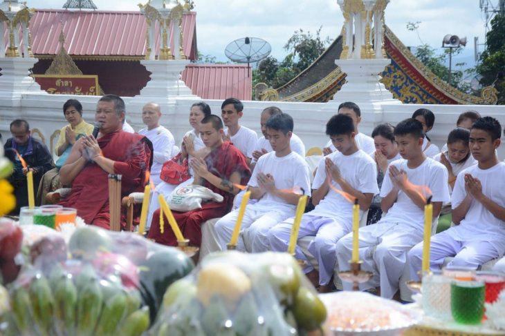 tailandia niños budistas