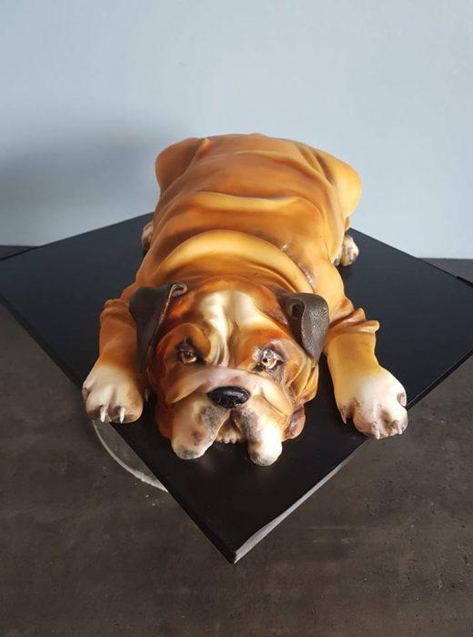 perrito bulldog pastel