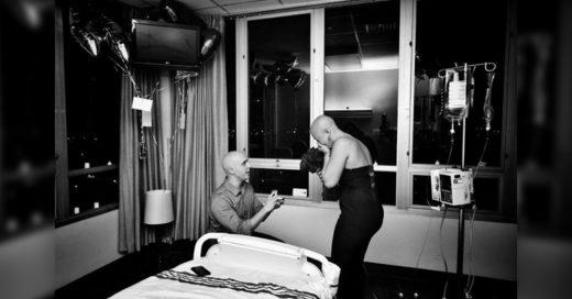 Cover Le pide matrimonio en su ultima sesión de quimioterapia