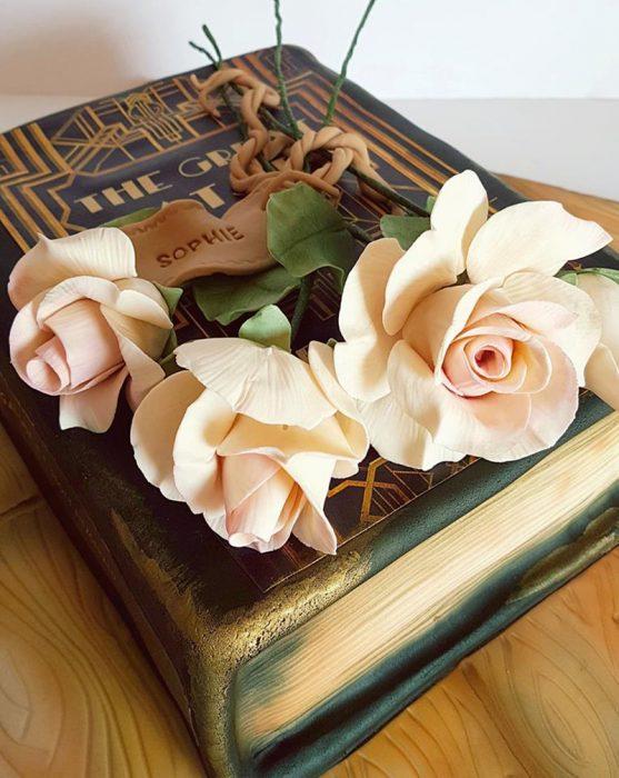 pastel de libro