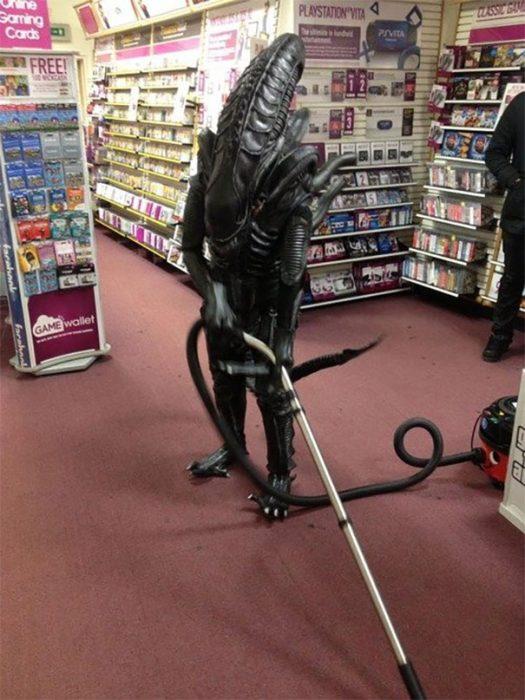 alien en tienda departamental