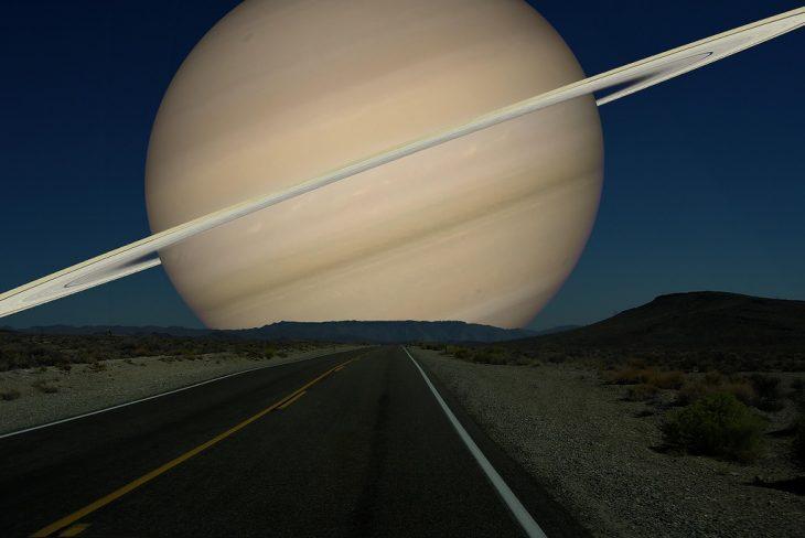 Si en lugar de la Luna Saturno orbitara nuestro planeta