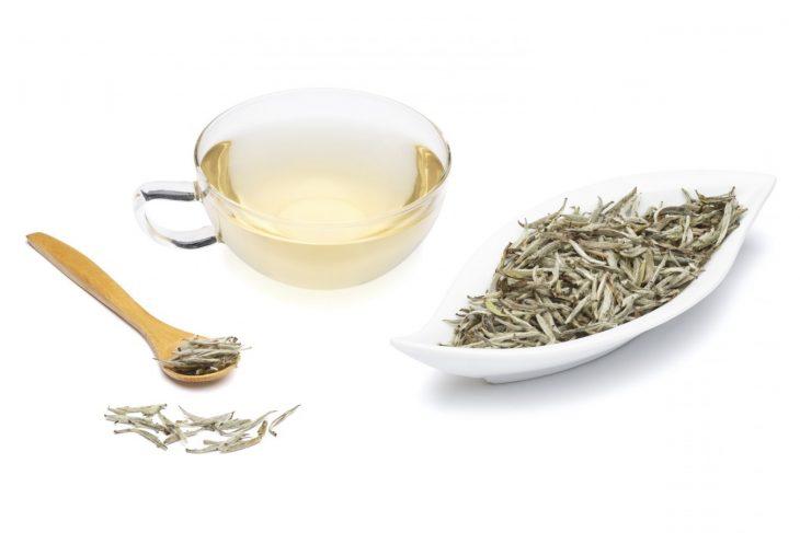 Tés que ayudan a bajar de peso té blanco