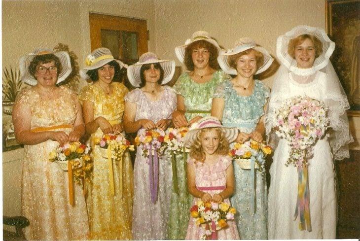 Los peores atuendos de bridesmaids recreoviral.com