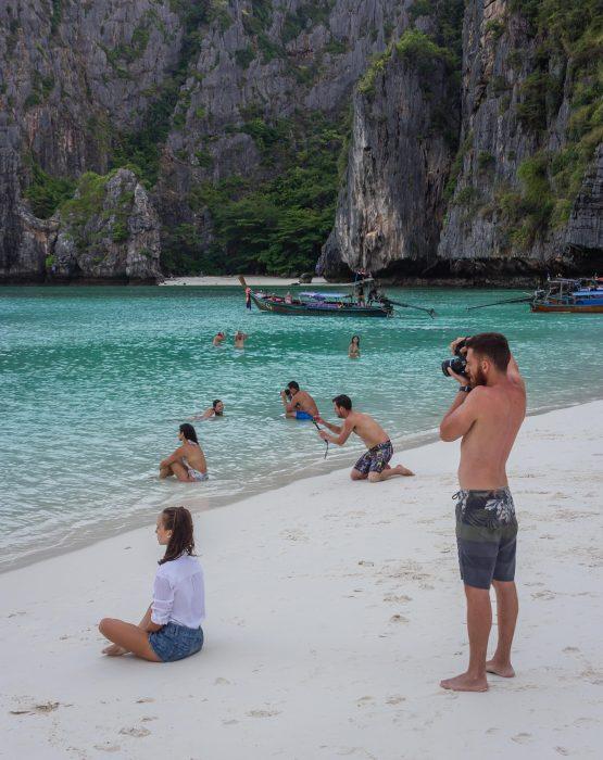 novios obligados a ser fotógrafos