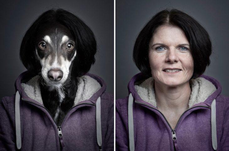 señora con sudadera morada y su perro vestido igual que ella