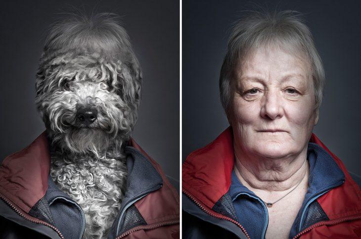 señora con chamarra roja y su perro