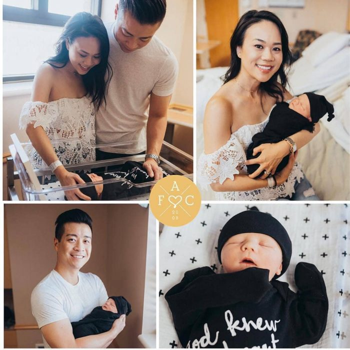 asiáticos con bebé adoptado
