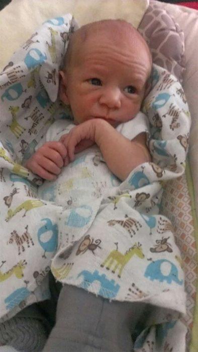 bebé que se parece a gandalf