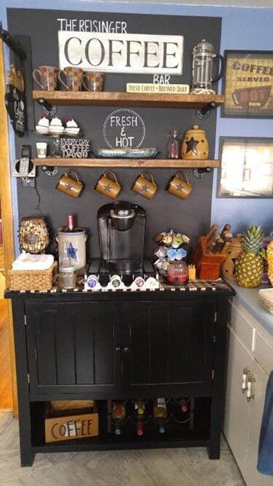 estación de café negra