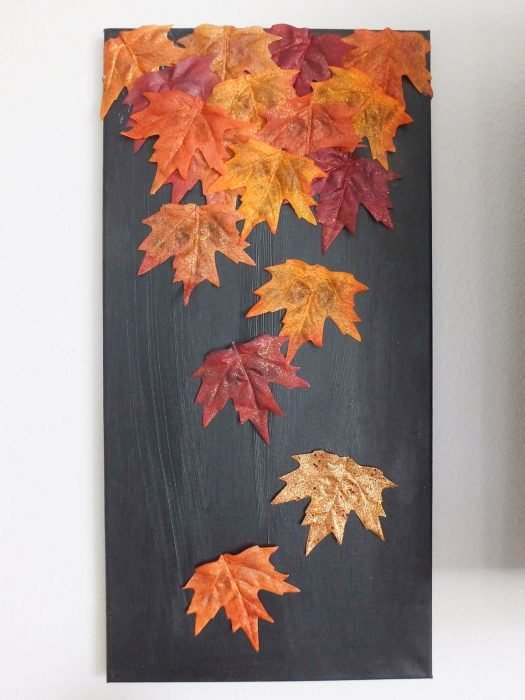 decoración con hojas de árbol