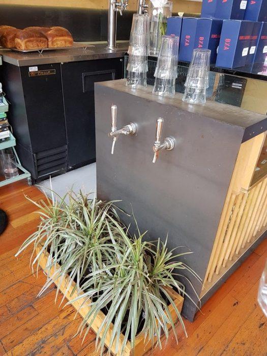 Si gotea el agua cae directamente a las plantas