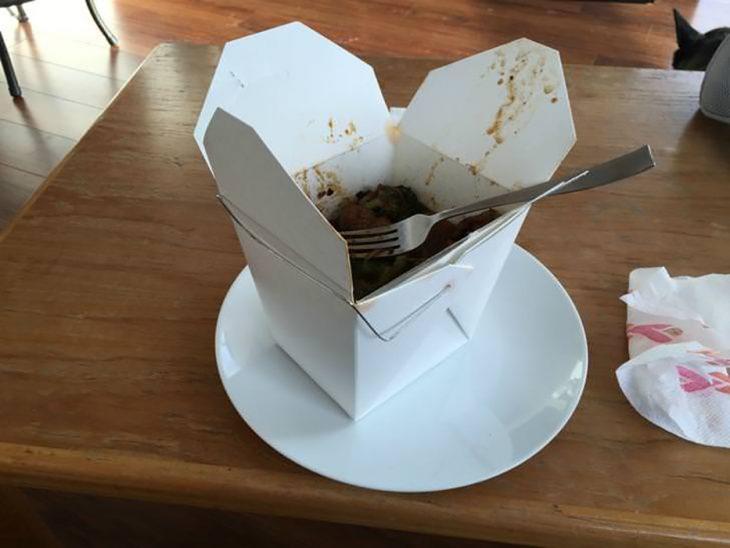 comida sobre plato