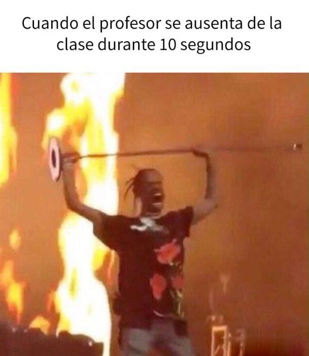 cuando el profesor sale de clase