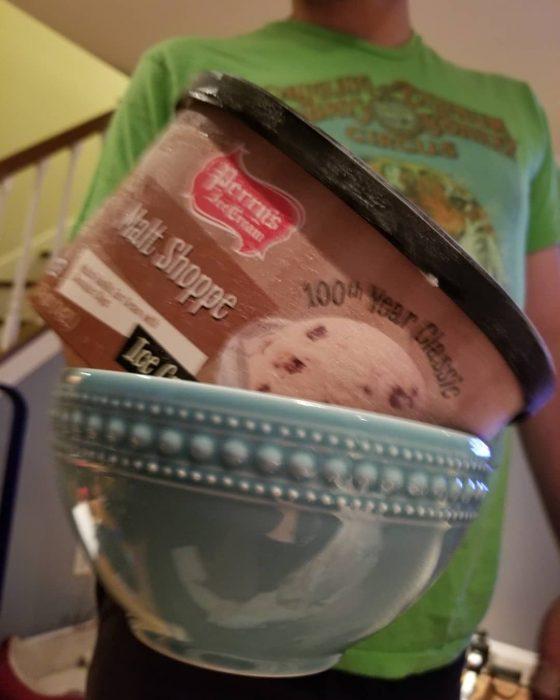 tazón con helado