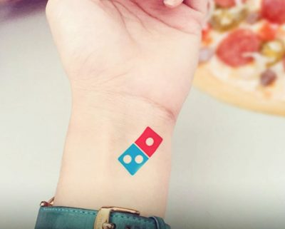 tatuaje de domino's pizza