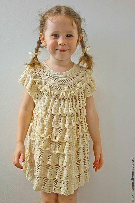vestido tejido de olanes