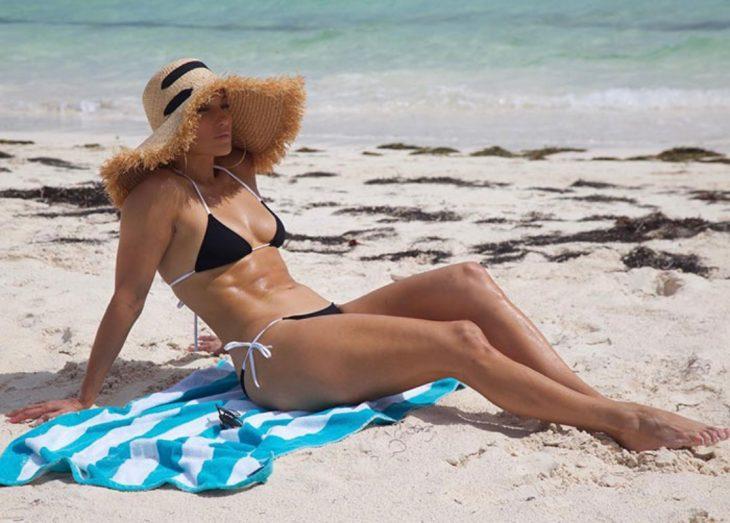 jlo en la playa