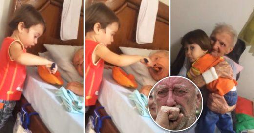Cover Niño le da de comer a su abuelo