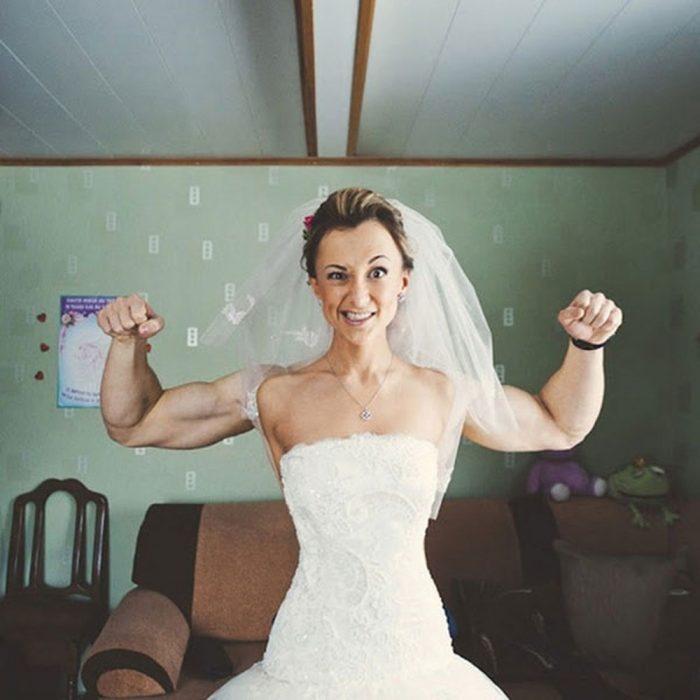 foto de novia con músculos