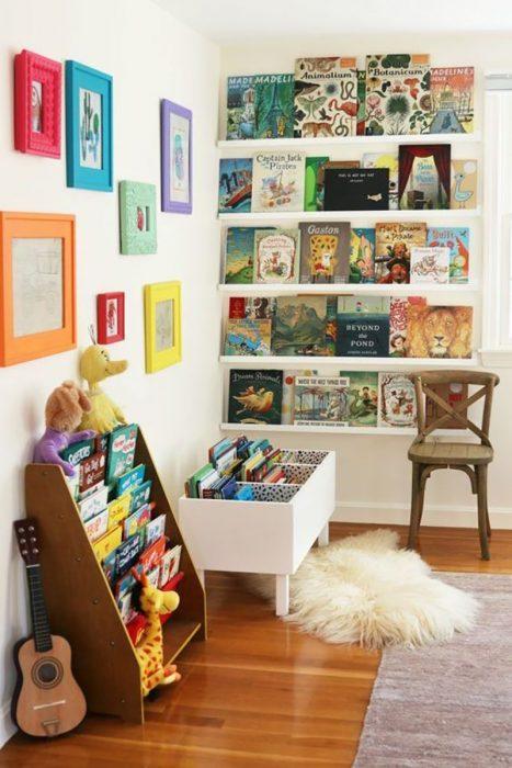 librería casera para bebé