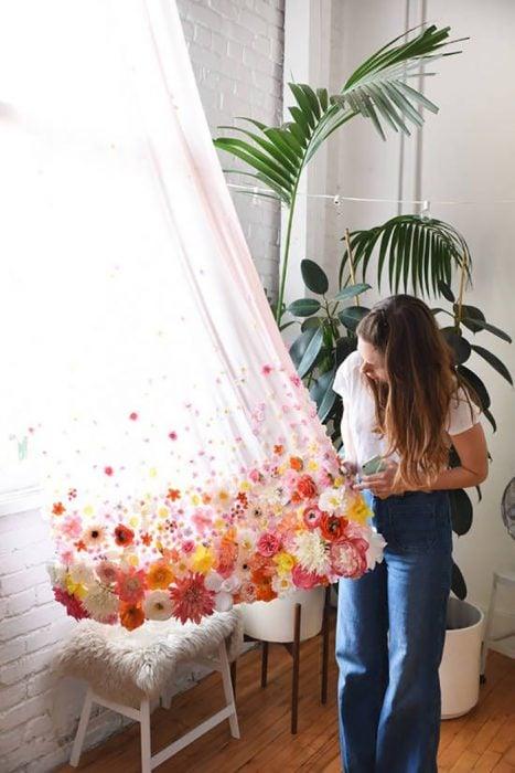cortina con flores