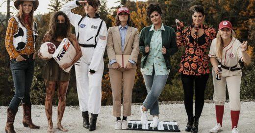 Cover Divertido grupo de amigas elige a un famoso y sus personajes más icónicos para disfrazarse en Halloween