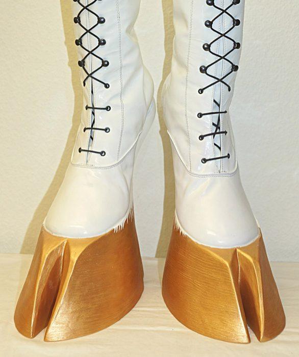 botas estilo pata de caballo