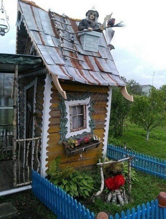 baño decorado de cabaña de bruja