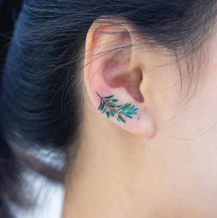 tatuaje de una ramita