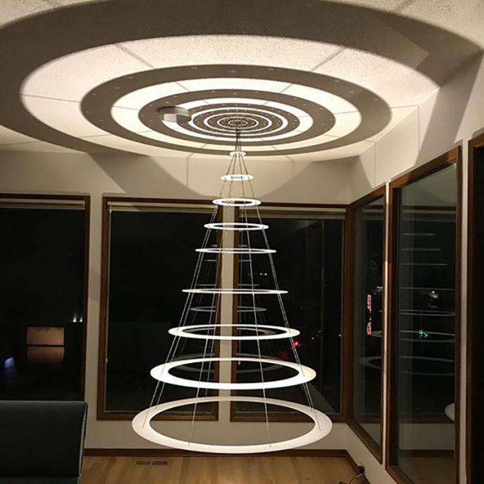árbol navideño que parece de extraterrestres