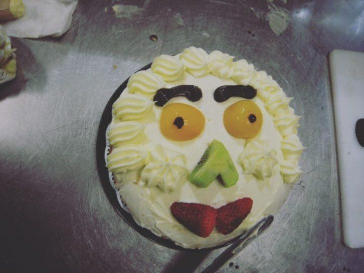 pastel de cara de frutas