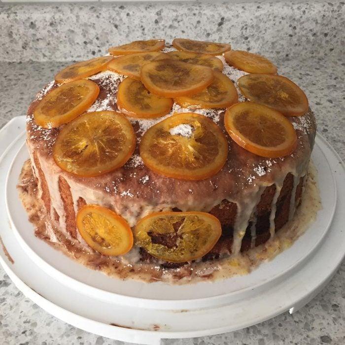 pastel de naranja feo