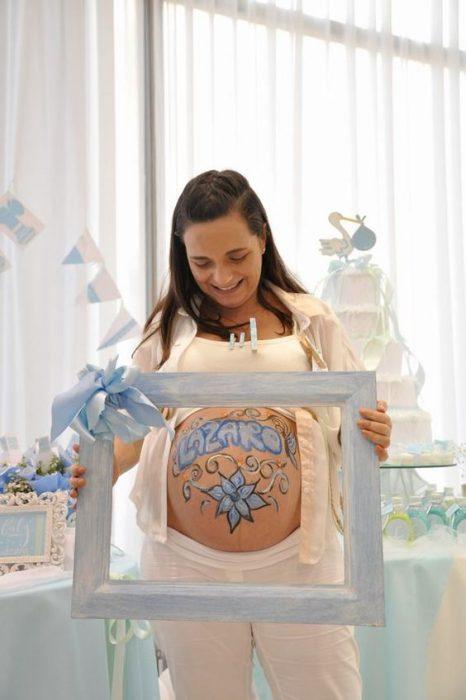 embarazada y marco para la panza