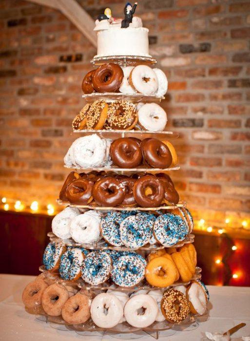 pastel y donuts