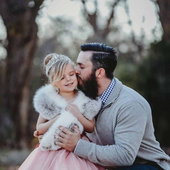 beso a una niña