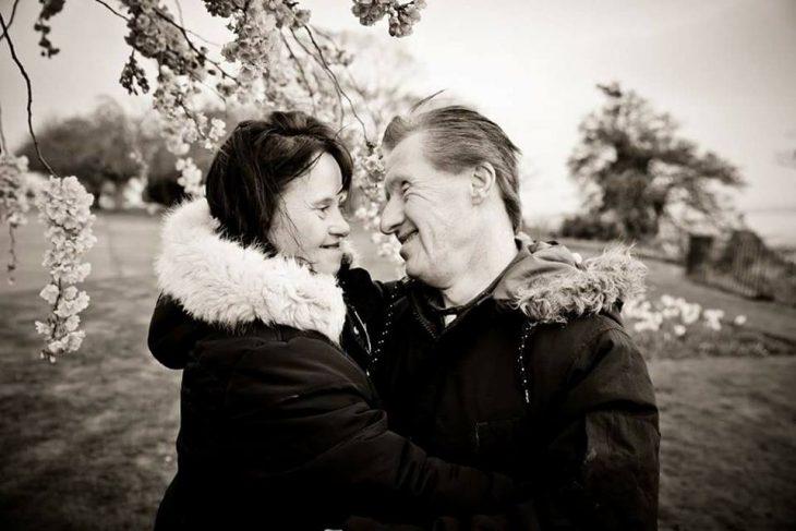 pareja con síndrome a blanco y negro