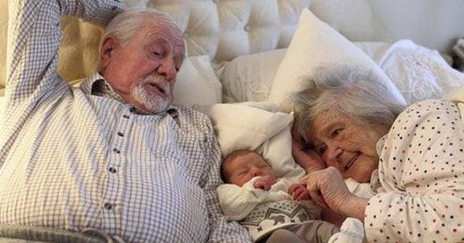 Cover Los abuelos que cuidan a sus nietos viven más tiempo, la ciencia lo confirma