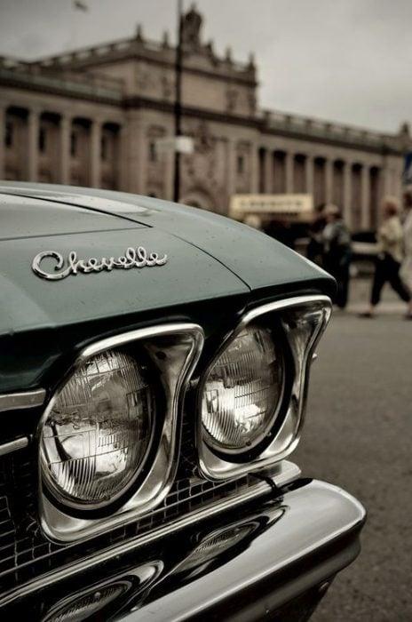 Frente de carro clásico verde