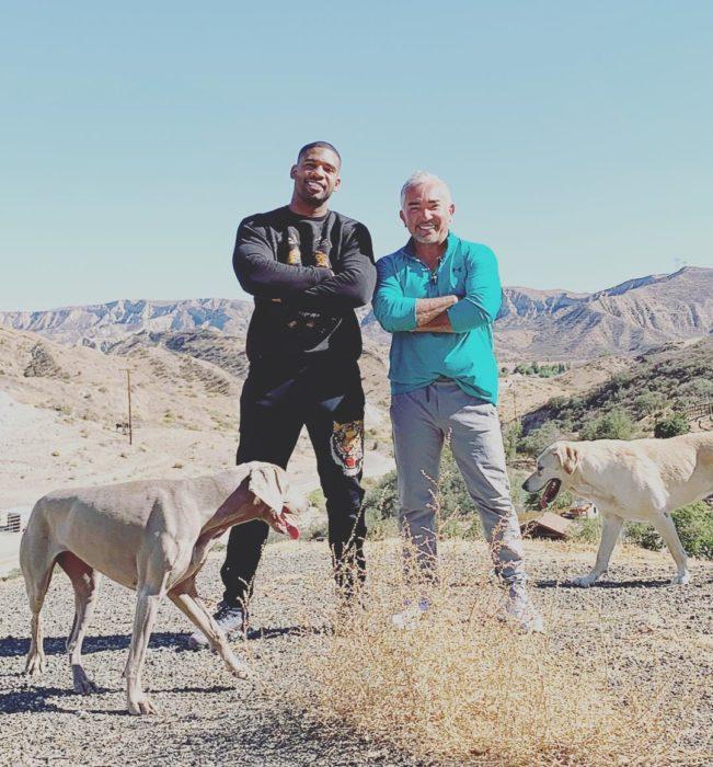césar millán recomienda adoptar perros mestizos